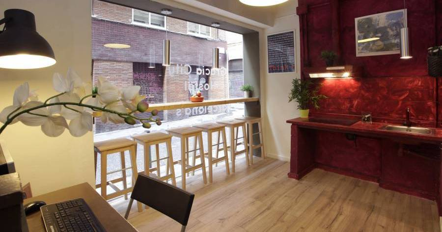 hostel reservations in Barcelona